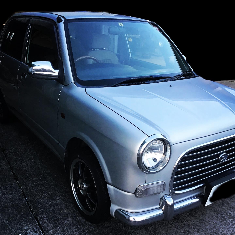 ダイハツの名車、ミラジーノ。整備主任さんの愛車です。️かっこいいです。